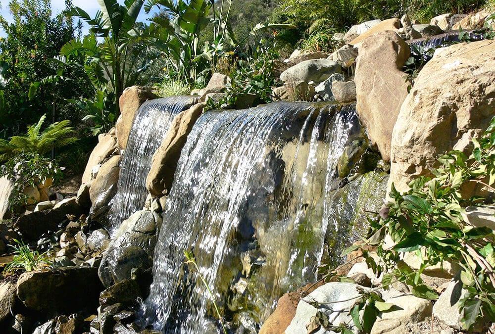 Vista Point | 15′ Wide Pondless Waterfall