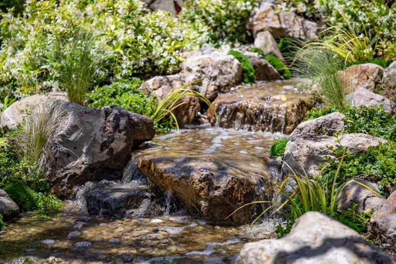 Malibu Water Gardens | 8′ Pondless Waterfall